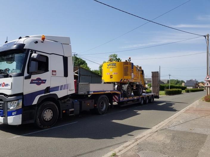 Porte-engins ou porte-chars, pour les engins de chantier et le matériel roulant du BTP