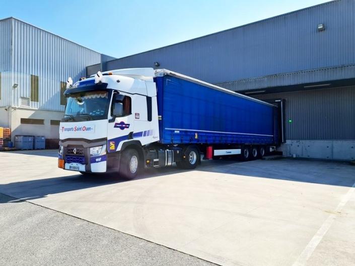 Transport de marchandises générales en remorque bâchée (Tautliner)